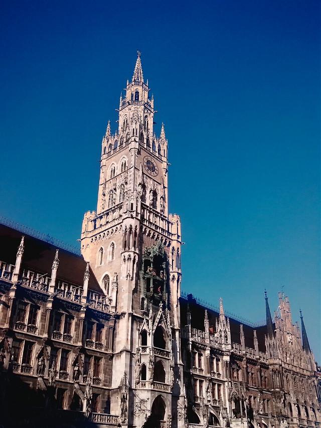 München:)