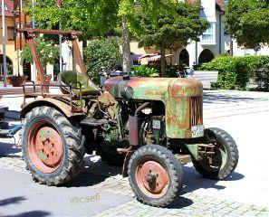 old vehicle photography traktor