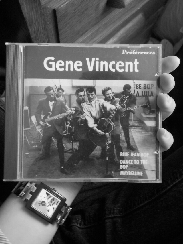 """#blackandwhite #music  Ça date mais j'aime toujours autant cet album... Si vous aimez le blues, rock""""n""""roll allez voir ! ;)"""